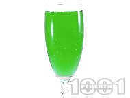 Коктейл Аква Марина (Aqua Marina) с водка, шампанско, лимон и ликьор мента